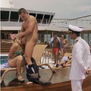 Brooklyn Lee - nyilvános szex a yachton