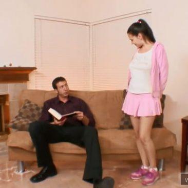 Tini lány baszás tanítás otthon