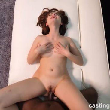 Aria Sky - tini pornósztár casting szex